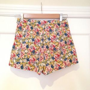 Urban Outfitters Shorts - Kimchi Blue High Waisted Floral Shorts sz 2